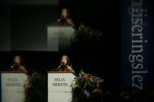 Naomi Klein in Felix tijdens een van de Globaliseringslezingen.